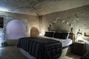 Mystic cave 1
